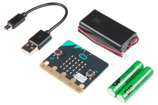 BBC micro:bit set - Single Board Computer with 32-bit ARM Cortex™ M0 CPU + USB cable + Batttery Holder + 2 x AAA batteries
