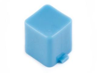 капачка квадратна 7x7x8mm синя