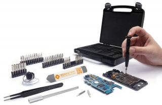 47-piece repair set for smartphones and tablets